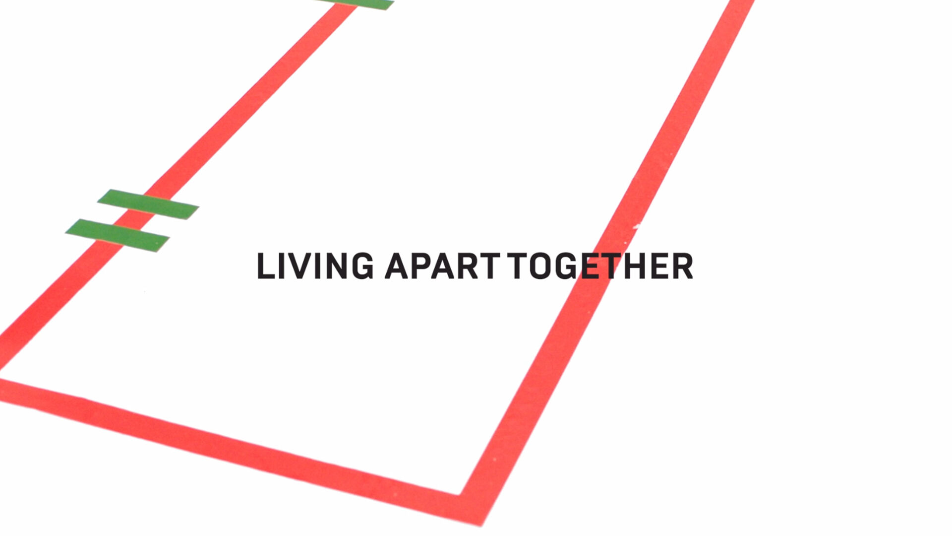 스토리: Living Apart Together