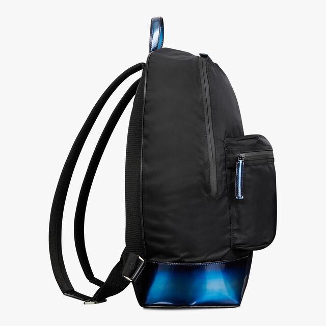 ミディアムサイズのメタリックディテール付きVolumeナイロン&レザークラッチ, BLUE METAL, hi-res