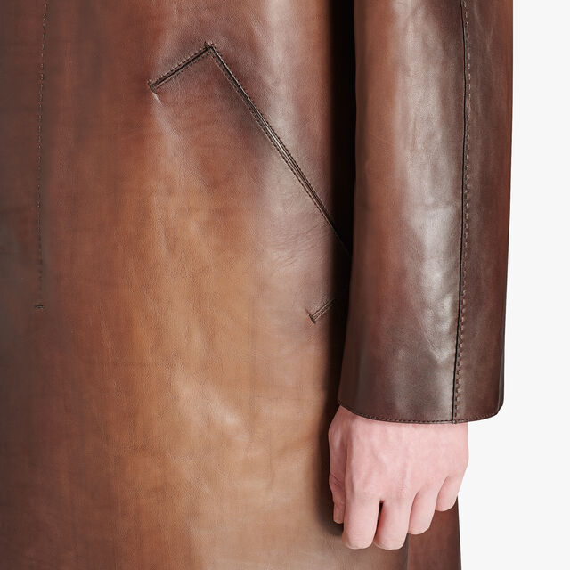 Long Patina Leather Mackintosh, BRUN, hi-res